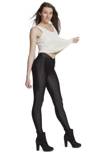 Svarta bekväma leggings för yoga och sport