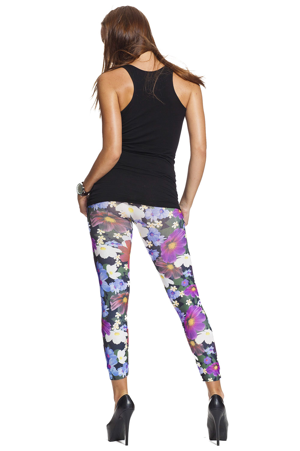 These cropped stretch leggings with slit hems provide a sporty look year round. Pair them with a cotton tunic and sneakers for an on-the-go look, or wear them around the house for casual comfort.