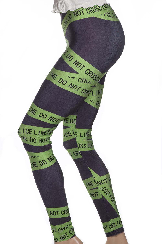 Svarta tights och leggings med grönt mönster och texten Police - Do not Cross