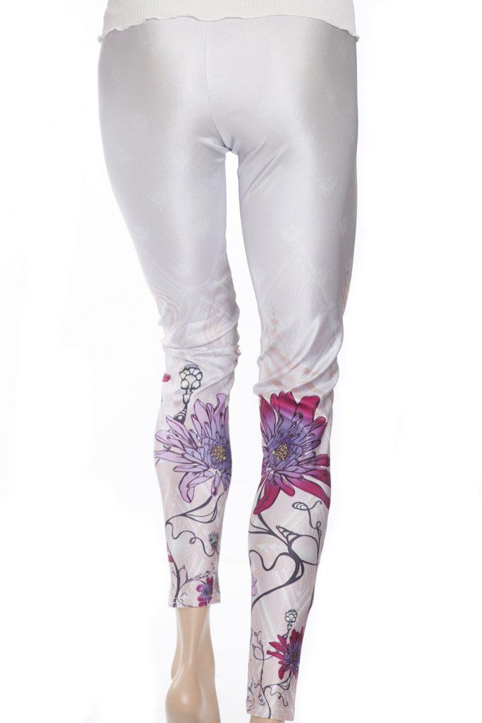 Vita leggings tights med rosa och lila blommor