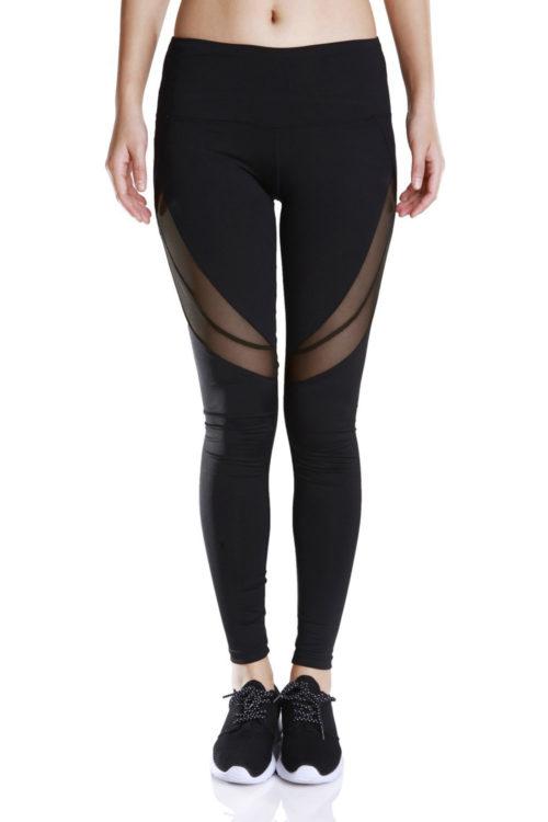 Svarta leggings för yoga och fitness.